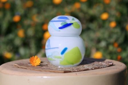 手元供養ガラス骨壷(骨壺)  [白の陽C3]の商品画像