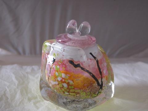手元供養ガラス骨壷(骨壺)  [友禅]の商品画像