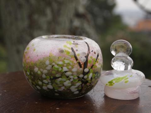 手元供養ガラス骨壷(骨壺)  [静かなみどり]のイメージ画像02