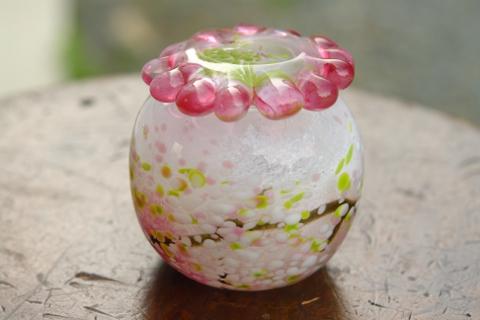 手元供養ガラス骨壷(骨壺)  [花がら摘み]の商品画像