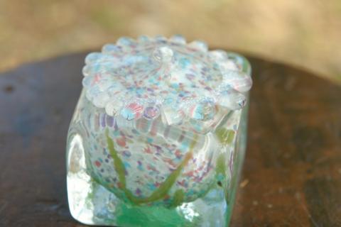 手元供養ガラス骨壷(骨壺)  [小花たち]のイメージ画像02