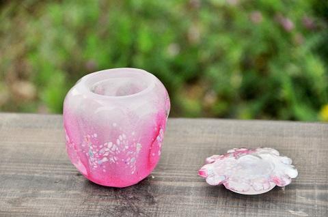 手元供養ガラス骨壷(骨壺)  [桃の花]のイメージ画像02