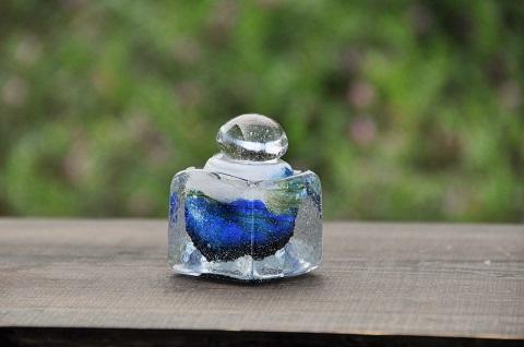 手元供養ガラス骨壷(骨壺)  [未明の山々]の画像
