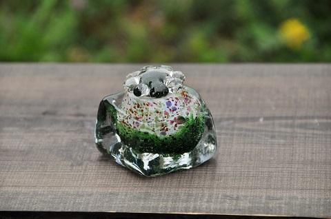手元供養ガラス骨壷(骨壺)  [緑の世界]の画像