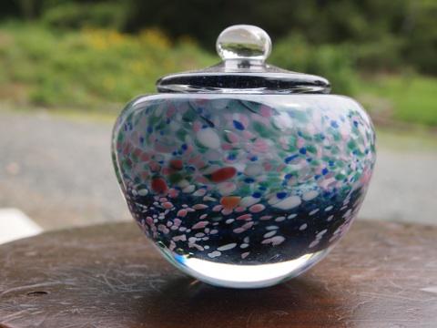 手元供養ガラス骨壷(骨壺)  [思い出の海]の商品画像