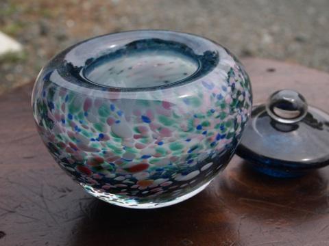 手元供養ガラス骨壷(骨壺)  [思い出の海]のイメージ画像02