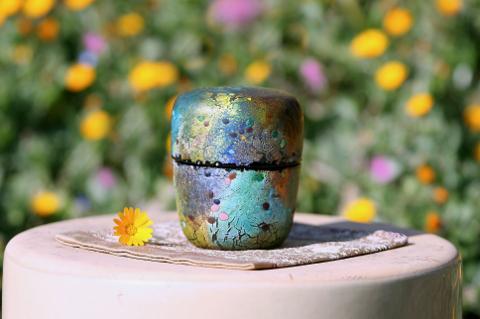 手元供養ガラス骨壷(骨壺)  [孔雀]の商品画像