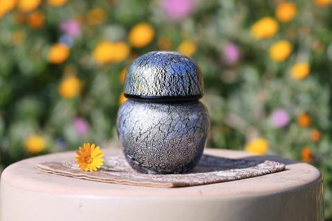 手元供養ガラス骨壷(骨壺)  [ひみつ]の商品画像