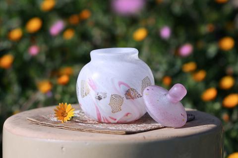 手元供養ガラス骨壷(骨壺)  [桃の木]のイメージ画像02
