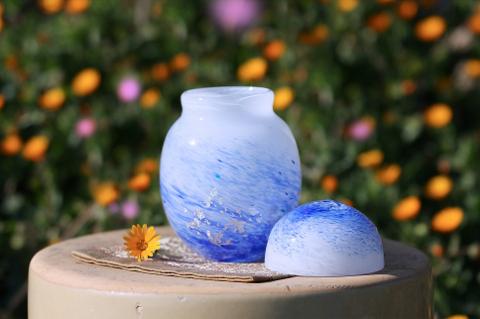 手元供養ガラス骨壷(骨壺)  [波しぶき]のイメージ画像02