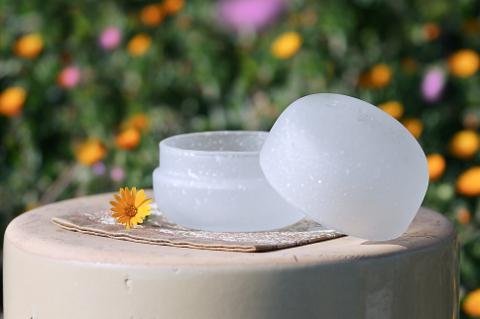 手元供養ガラス骨壷(骨壺)   [こでまり]のイメージ画像02